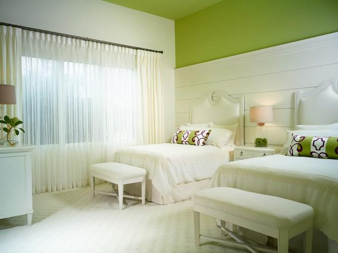 Inspiracje odcienie zieleni tapety sypialnia