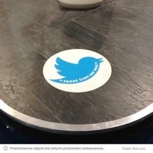 naklejka-podłogowa-tweet